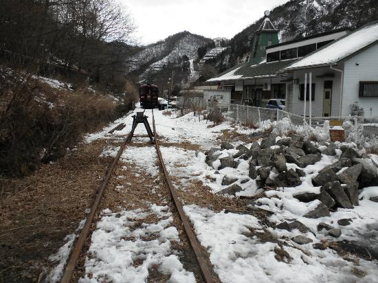 Kanto, Japan: 終着駅(間藤駅)に停車している列車