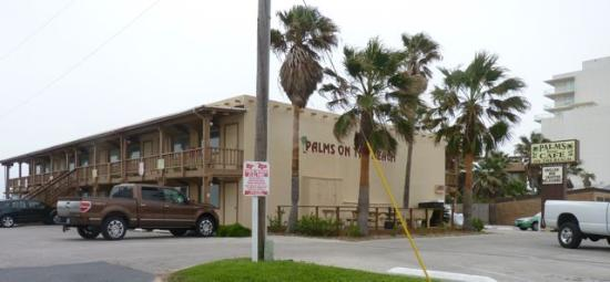 The Palms Resort: Nice facility but no special curb appeal
