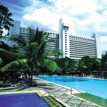 โรงแรมโบโรบูเดอจากาตาร์