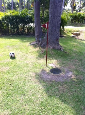 Samui Football Golf Club: hole 1 par 3