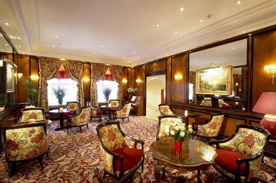 Narutis Hotel: Bar