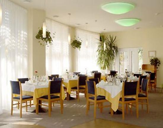 Perkuno Namai: Restaurant