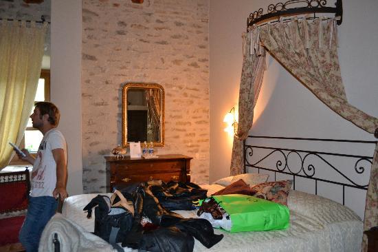 Hotel Castello di Sinio: Bedroom