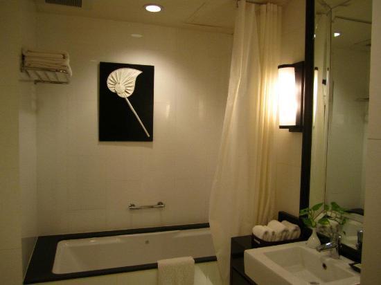 Saladaeng Colonnade: Master bedroom_Bathroom