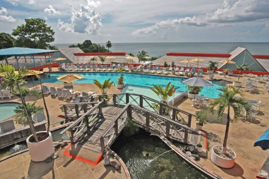 Le Grand Courlan Spa Resort: Pool Ramp