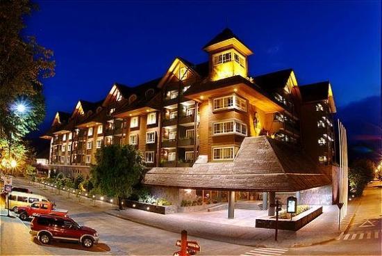 Hotel del Lago: Exterior View