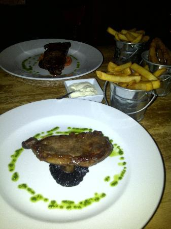 The Hatton Arms: The Sirloin Steak