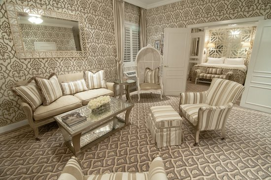 The Chesterfield Palm Beach : One Bedroom Suite