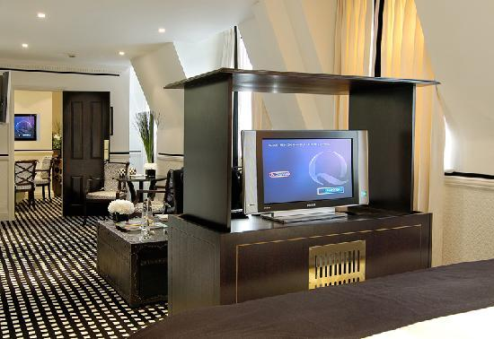 Hotel 41: Hospitality Suite