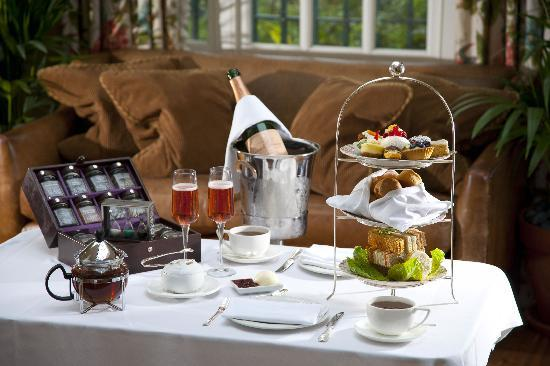 The Montague on The Gardens: Afternoon Tea