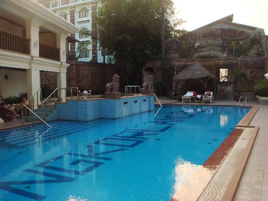 New Angkorland Hotel: Great pool