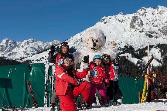 Hotel Ubergossene Alm : Skischule direkt am Hotel