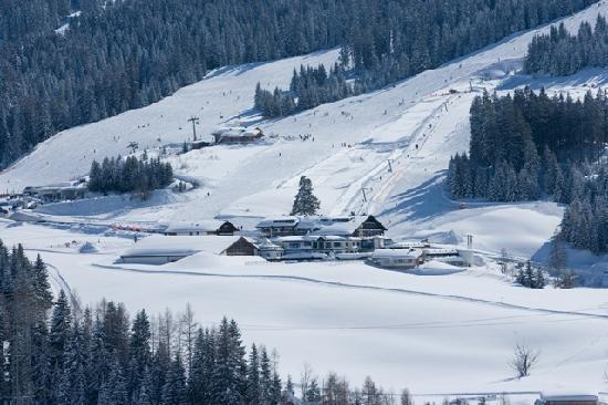 Hotel Ubergossene Alm : Winter wonderland am Hotel Übergossene Alm