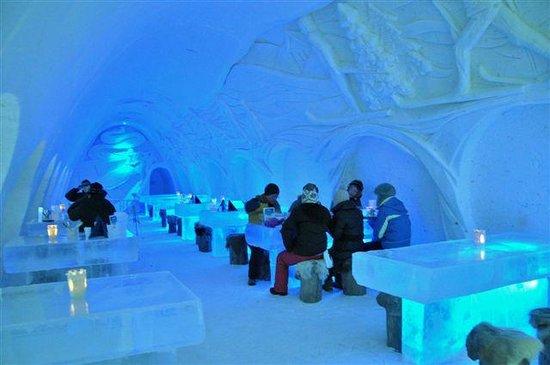 SnowHotel in Kemi : Restaurant & Bar in the Snow Castle