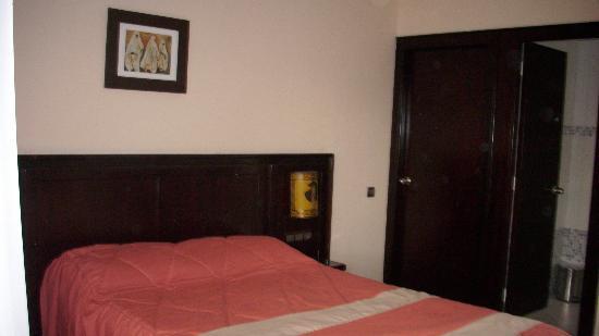 Aferni Hotel: Bett