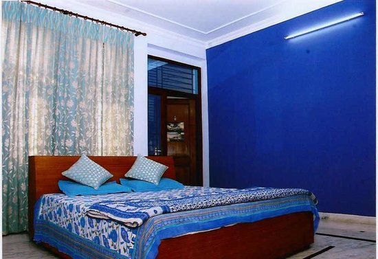 Pink City Home Stay: Deluxe Room
