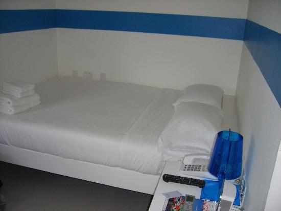 WAVE Hotel & Café Curaçao: letto comodo