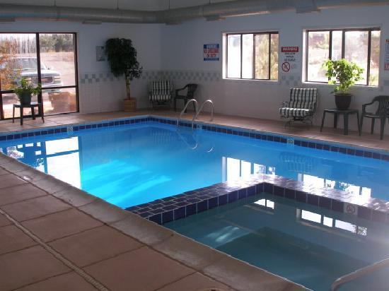 Pool im Red Sands Hotel - sauber
