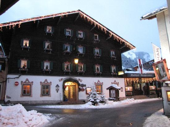 Romantik Hotel Zell Am See The Front Of