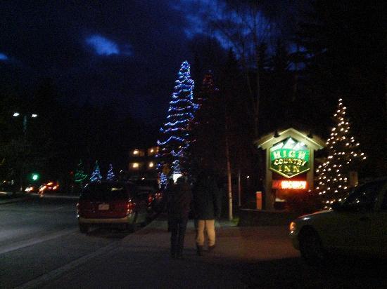 Banff Voyager Inn: イルミネーション