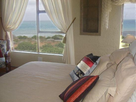 Ocean View Guest B&B: Cream Room, amaizing views!