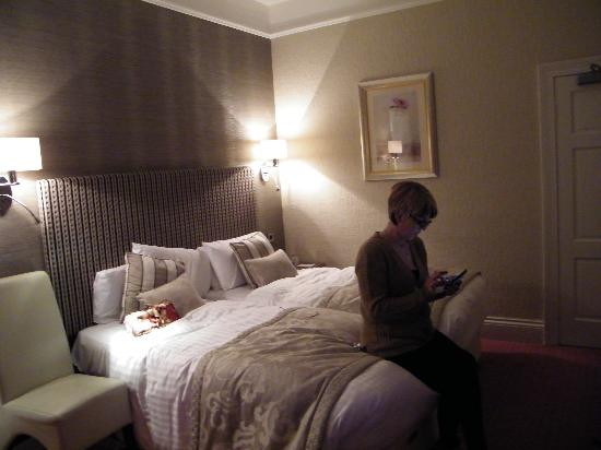 Royal and Fortescue Hotel: bedroom