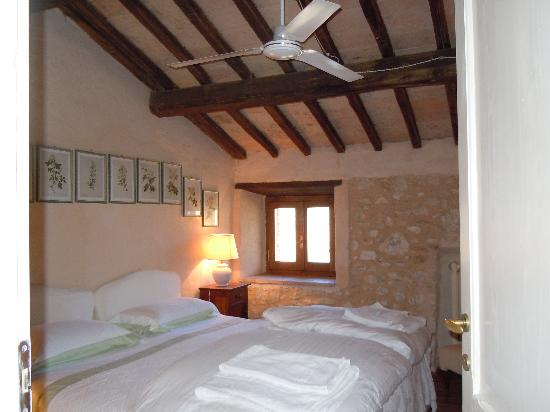 Pianciano: Camera da letto casa della Roccia
