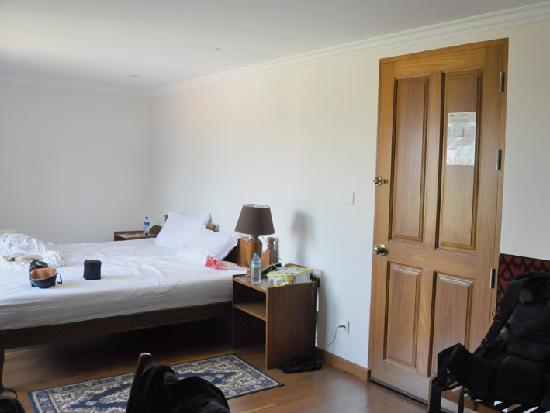Thurizza Hotel Bagan: Splendid bed, splendid room, splendid hotel.