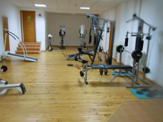 Snezhanka Apartments TMF: Gym is good, but we didn't have energy after day on slopes!!!!!