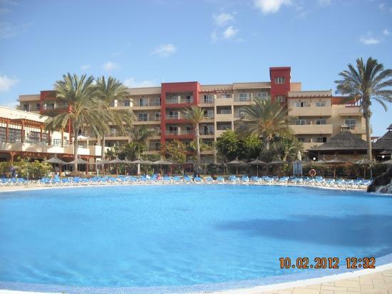 Hotel Elba Carlota: Grande piscine.