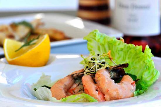 Le Coq Restaurant & Sushi Bar: Succulent Prawn Coqtail