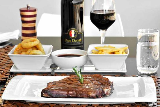 Le Coq Restaurant & Sushi Bar: Only Angus Quality Steaks Served