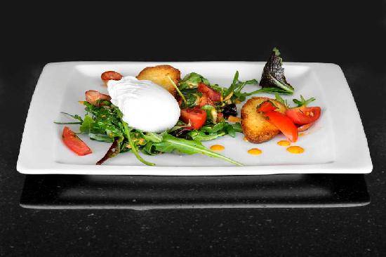 Le Coq Restaurant & Sushi Bar: Chorizo Salad with truffle'd egg