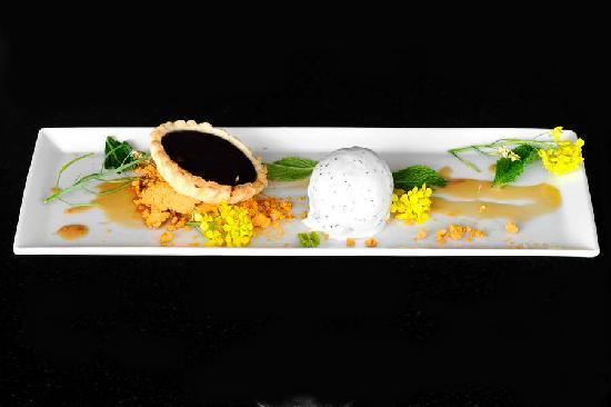 Le Coq Restaurant & Sushi Bar: Popular Sweet'art