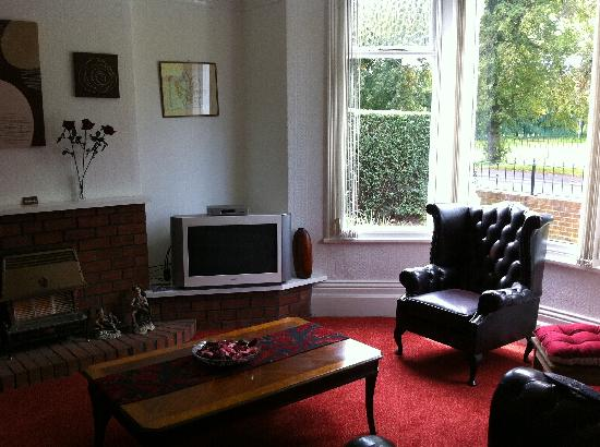 Chadwick Guesthouse: Living Room