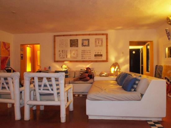 Sunset Suites & Boutique : Sala de estar con Wifi