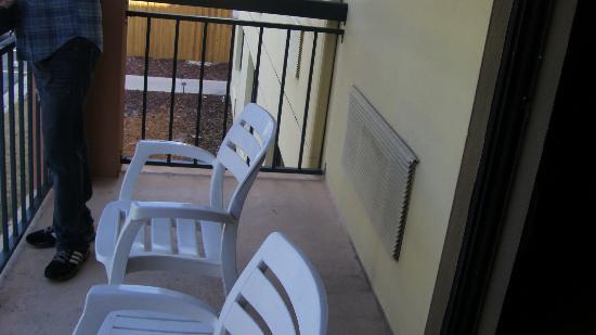 Courtyard by Marriott Orlando Lake Buena Vista at Vista Centre: Balcón