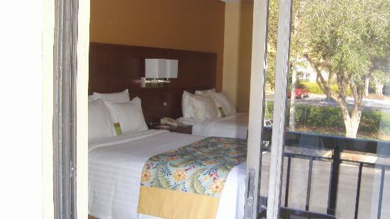 Courtyard by Marriott Orlando Lake Buena Vista at Vista Centre: Vista de la habitación desde el balcón