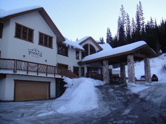 Pinnacle Lodge: Main Building