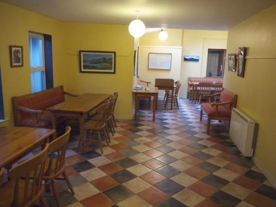 Allihies Village Hostel: Speisesaal