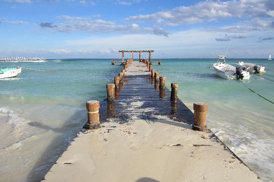 Hotel El Tukan: La vue de la plage losqu'on emprunte la Calle 16