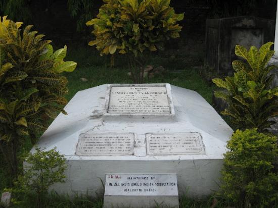 South Park Street Cemetery: derozio's grave