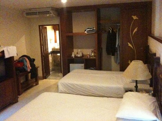 Hyton Leelavadee Phuket: Twin room 1