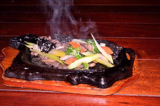 Spice Quest : 6 - Hot plate: vegetables and beef with sesame seeds