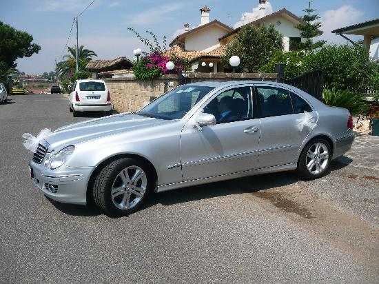 Autoservizi Montini: Your Professional Driver in Rome