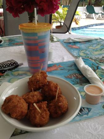 Bay View Suites Paradise Island: mmmm....great Conch Fritters