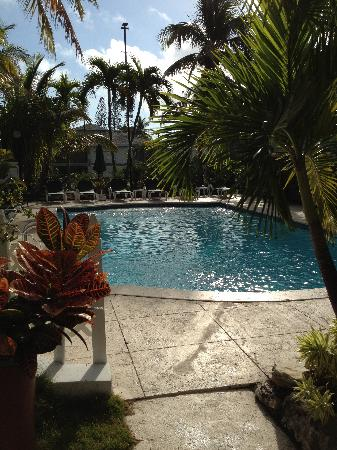 Bay View Suites Paradise Island: 1 of the pools