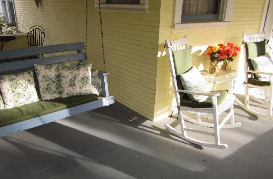 McFarland Inn Bed and Breakfast: The Front Porch Swing and Rocking Chairs