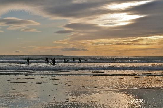 O'Shea's Hotel: Sunset on Tramore Beach