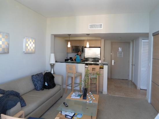 Sunny Isles Beach, FL: Sala/Cozinha